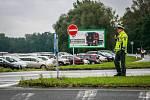 Dny NATO v Ostravě na letišti v Mošnově. Policejní hlídky dohlížející na dopravu na dnech NATO.