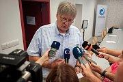 Tisková konference Lékařské fakulty Ostravské univerzity, 30. července 2018 v Ostravě. Na snímku předseda akademického senátu LF OU Igor Dvořáček.