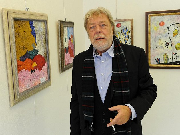 Umělec a herec Jan Kanyza se stal obětí padělatele.