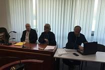 Soudní jednání se znalci Radkem Matlachem a Igorem Fargašem.