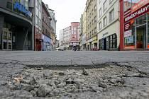 Vstupní ulice do centra se dočká nové dlažby.