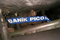 Baník Ostrava už navždy zůstane hornickým klubem. Třeba Bohdan Kolář si brával baníkovskou šálu i do nízkého paskovského stojkového rubání.