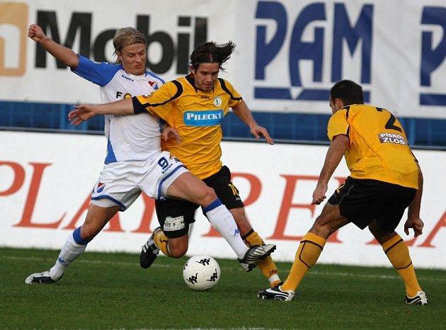 Mičola v utkání Baník Ostrava versus Bohemians na Bazalech.