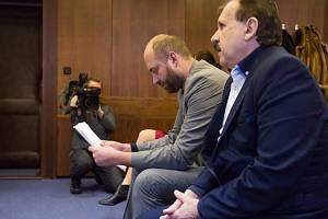 Vrchní soud v Olomouci 11. února 2020 projednával případ lékařů Tomáše P. (vlevo) a Zdeňka P. (vpravo).