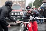Den rekordů, na kterém handicapovaný kulturista Daniel Minster utáhl na invalidním vozíku nákladní automobil Tatra (do vzdálenosti 252cm).