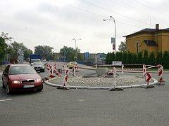 Kruhový objezd na křižovatce ostravských ulic Výstavní, Halasova. Ilustrační foto.