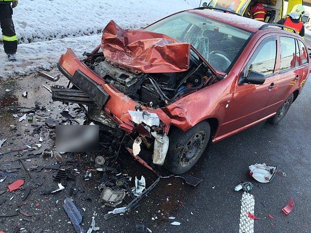 Dopravní nehoda z prvního prosincového dne na čtyřproudové silnici u Starého Jičína.