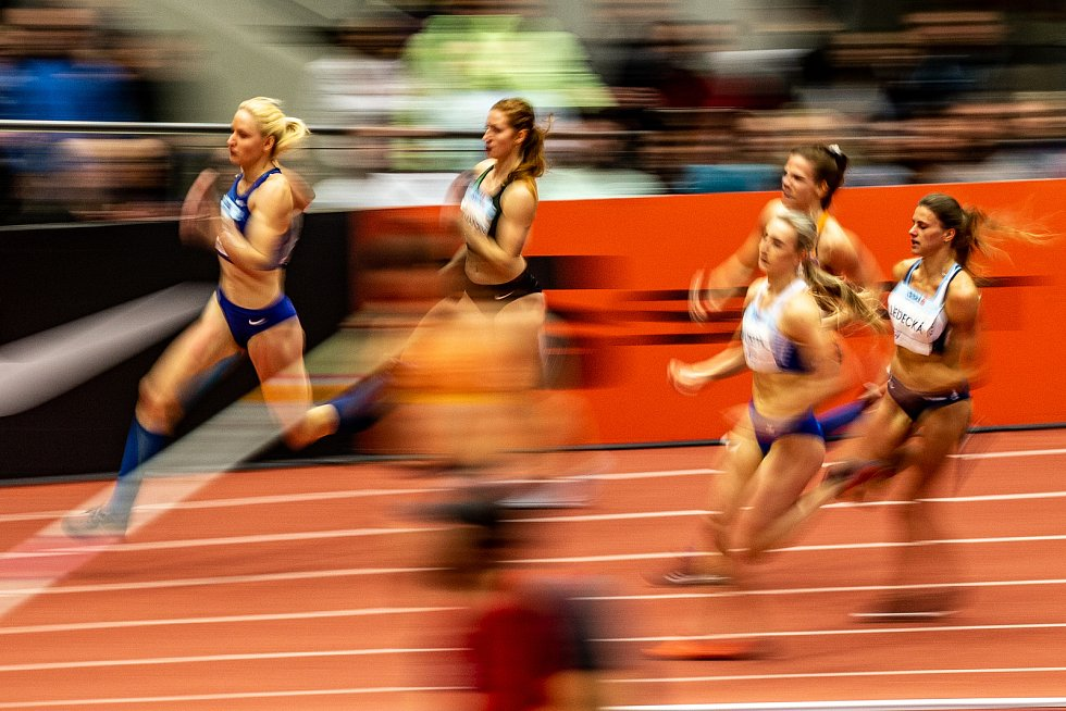 Mezinárodní halový atletický mítink Czech Indoor Gala 2020, 5. února 2020 v Ostravě. Běh 400 m ženy, Natalia Wosztyl z Polska, Daniela Ledecká z Česka, Marcela Pirková z Česka, Agata Zupin ze Slovinska a Martina Hofmanová.