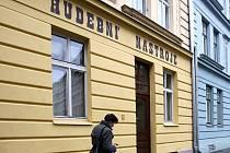 Další prodejna s potřebami pro muzikanty se už brzy otevře v Mlýnské ulici.