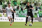 Utkání 1. kola fotbalové Fortuna ligy: MFK Karviná - FC Baník Ostrava, 23. srpna 2020 v Karviné. Tomáš Ostrák z Karviné a Jan Juroška z Ostravy.