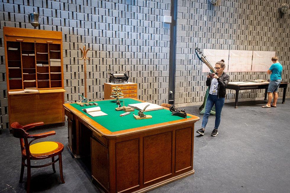 V ostravské multifunkční hale Gong byla zahájena výstava Vítkovický úředník - kancelář 19. a 20. století, , 5. zaří 2019 v Ostravě.