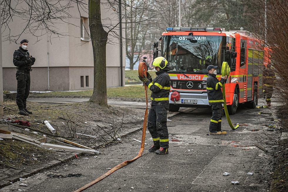 Hasiči zasahovali u požáru domu v Ostravě-Hrabůvce.