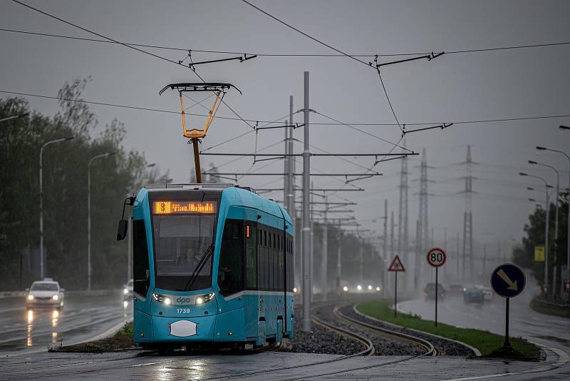 Nově zrekonstruovaná trať kde můžou tramvaje jezdit až 80km/h, 1. září 2020 v Ostravě.
