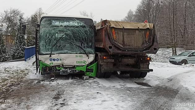 Nehoda u Raškovic.