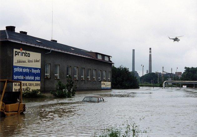 Velká část Mariánských Hor včetně Moravských chemických závodů, byla vroce 1997postižena záplavami.