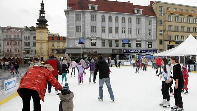 Kluziště na Masarykově náměstí. Ilustrační foto