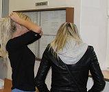 Modelka Sarah na snímku z dřívějšího jednání u krajského soudu v Ostravě.
