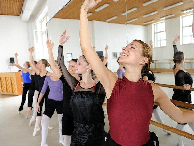 Čtvrtý ročník akce nazvané Ballet & Dance Workshop Ostrava 2010 se opět koná vtěchto dnech v moravskoslezské metropoli v prostorách Janáčkovy konzervatoře a Gymnázia v Ostravě (JKGO).