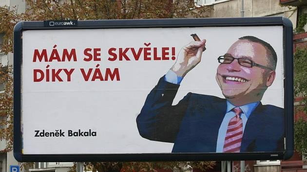 Ilustrační foto. Karikatury Zdeňka Bakaly, považovaného v našem regionu hlavně horníky a obyvateli někdejších havířských bytů za úhlavního nepřítele číslo jedna, se objevily na řadě míst na billboardech v roce 2017.