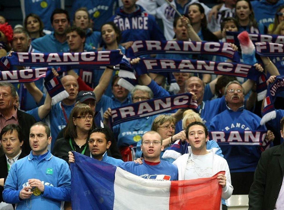 Utkání Berdych - Simon v daviscupovém utkání Česko - Francie.