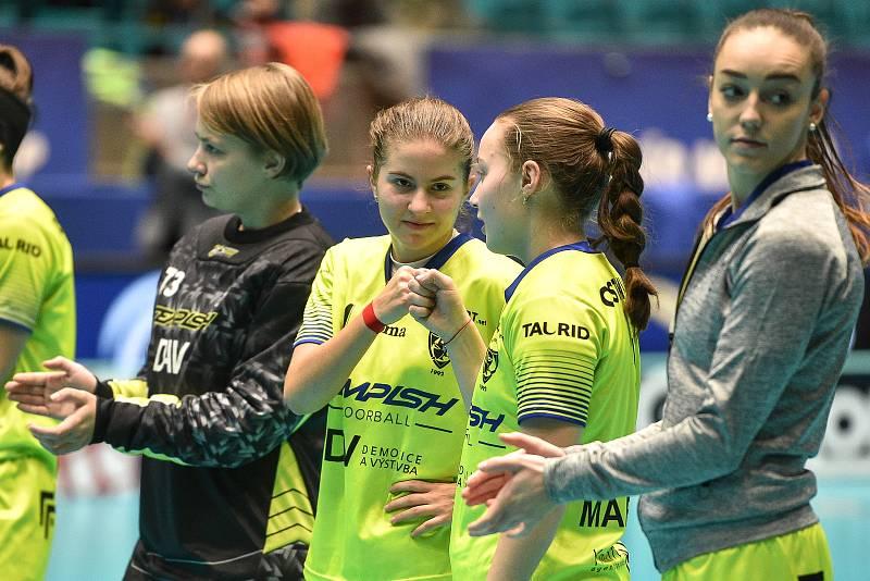 Pohár mistrů ve florbalu, o 3. místo (ženy): 1. SC Vítkovice - SB-Pro Nurmijarvi, 12. ledna 2020 v Ostravě. Na snímku (vlevo) Michaela Kubečková.