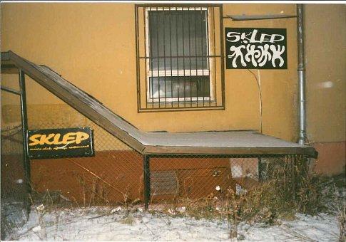 Rockový klub Sklep, který dívka navštívila.