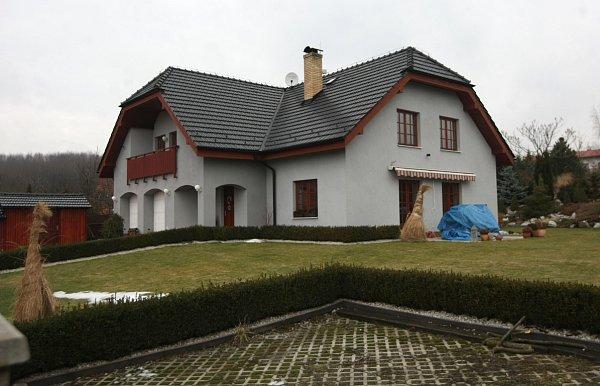 Vila, která patří manželům Wolfovým.