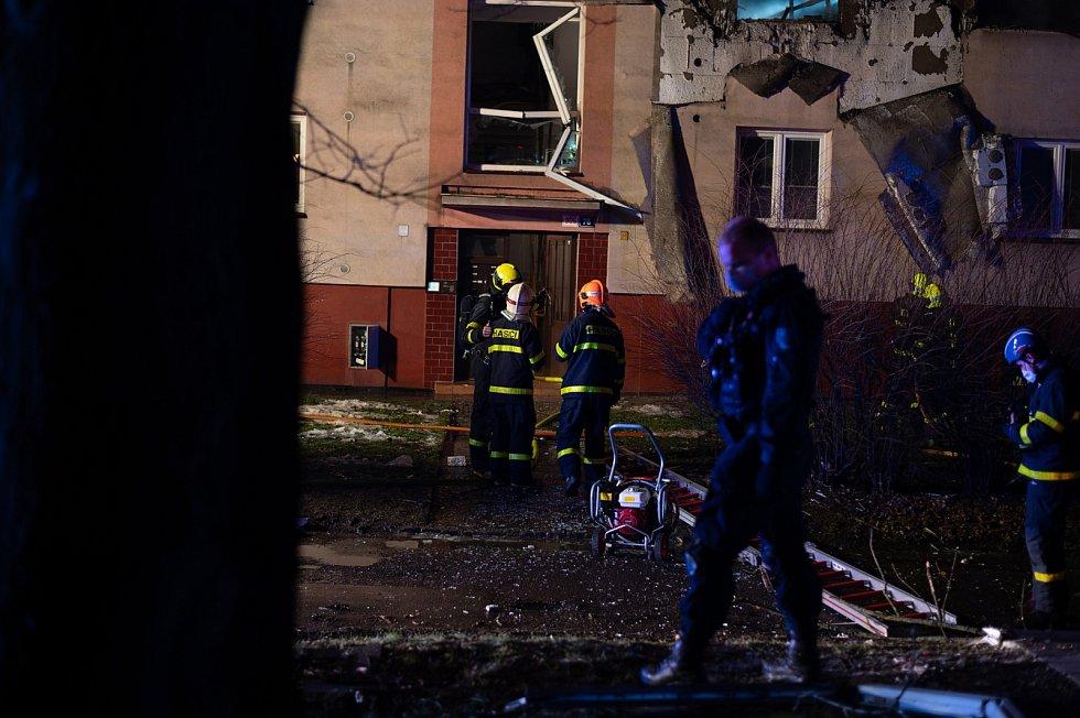 Zásah hasičů po výbuchu v Ostravě-Hrabůvce na ulici Provaznická.