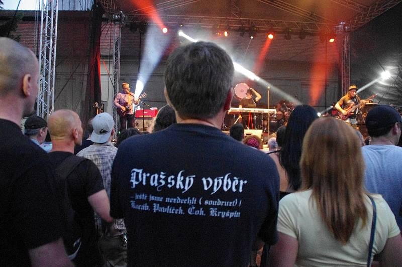 Koncert Pražského výběru v zámeckém amfiteátru v Buchlovicích.