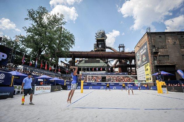 Turnaj Světové série Ostrava Beach Open, 21.června 2018, na snímku Jan Dumek, Václav Bercik, Vitor Felipe a Evandro Junior Oliveira.