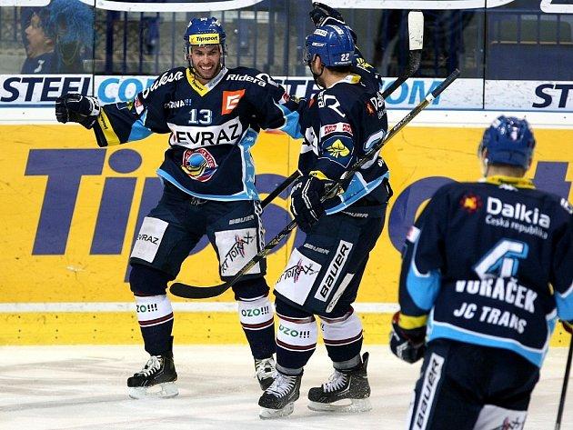 Vladimír Svačina vlevo