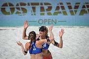 Turnaj Světového okruhu v plážovém volejbalu, 21. června 2018 v Ostravě. Na snímku Barbora Hermannová a Markéta Sluková.