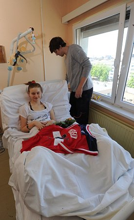 Sobrovským odhodláním bojuje se svým osudem šestnáctiletá Dominika Madalová.