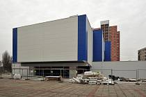 Místo diváků bývalého kina Máj budou v budově sídlit exponáty Ostravského muzea.