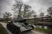Hlavním lákadlem rekonstrukce bojů u Sýkorova mostu v rámci sedmdesátých oslav osvobození bude tank T-34.