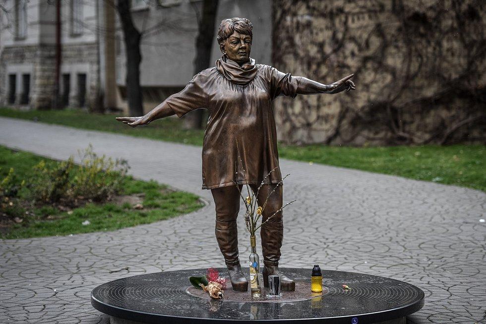 Socha Věry Špinarové, 25. března 2019 v Ostravě.