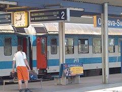 Na trati mezi Ostravou a Prahou dnes vyjedou posilová pendolina a další vlaky.