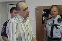 Před soudem v Ostravě v pondělí stanul jen Igor Ivanka. Střelec Milan Struhal je ve vazbě na Slovensku, kde čeká na soud kvůli jiným závažným zločinům.
