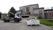 Rekonstrukce porubského Pokladu začala demolicí.