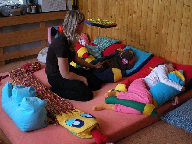 Integrované centrum Žirafa zajišťuje výchovně-vzdělávací a rehabilitační péči o děti, mládež i dospělé s různým stupněm mentálního postižení.