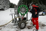 Zasněžování ve Ski areálu Bílá v Beskydech.
