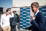 Ministr financí Andrej Babiš (ANO) si během dvoudenní návštěvy Moravskoslezského kraje prohlédl i laguny.