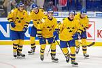 Mistrovství světa hokejistů do 20 let, zápas o 3. místo: Švédsko - Finsko, 5. ledna 2020 v Ostravě. Na snímku (zleva) Adam Ginning (SWE), Albin Eriksson (SWE), Nils Lundkvist (SWE), Linus Oberg (SWE), Linus Nassen (SWE).