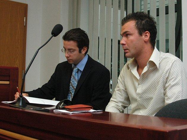 Odsouzený policista Petr Stanislav (na snímku vpravo)