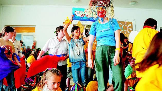 Zatímco loni ostravské neziskovky úspěšně zabojovaly a grant získalo pět projektů, letos se to podařilo pouze Rotary Clubu Ostrava s projektem Stružielka, což je tábor s uměleckým zaměřením pro handicapované děti z České a Slovenské republiky.