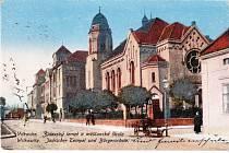 TEMPL VE VÍTKOVICÍCH. Vítkovický templ byl nacisty vypálen 24. května 1939, požár nesměl být hašen a budova pomalu prohořívala ještě téměř dva týdny.