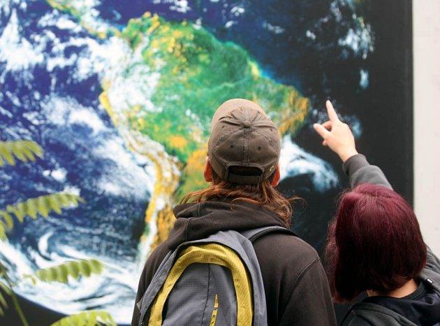 Výstava fotografií Vesmír - dobrodružství objevů na Masarykově náměstí v Ostravě