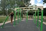 WORKOUTOVÉ HŘIŠTĚ. Street workout je stále populárnější druh venkovního posilování, při kterém se využívá především vlastní váha.
