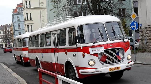 Jízda historickým autobusem Ostravou.