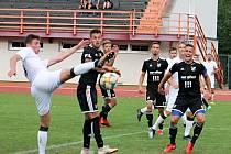Ve třetím kole Moravskoslezské ligy  fotbalisté MFK Vyškov (bílé dresy) remizovali  na domácím trávníku s Baníkem Ostrava B 1:1.